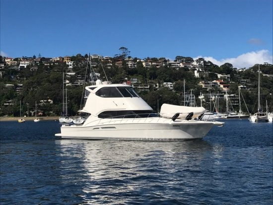 2009 RIVIERA 47 Enclosed Flybridge