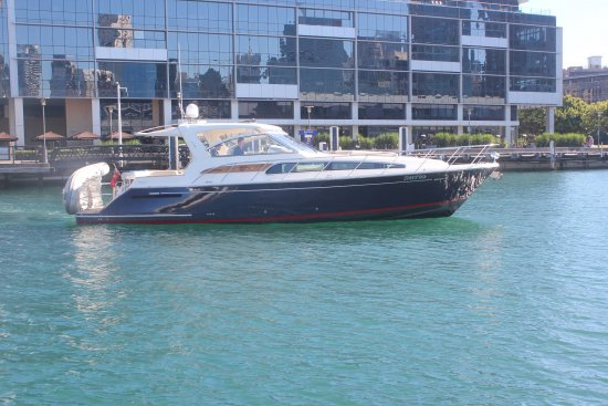 2005 Chris Craft 43 ROAMER